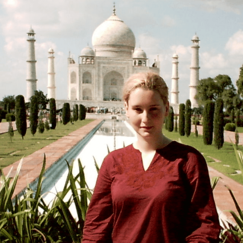 Anca at Taj Mahal